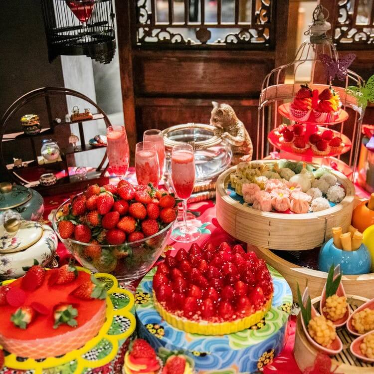 ヒルトン東京 中国料理 王朝「人気点心食べ放題とストロベリーデザートビュッフェのランチビュッフェ」