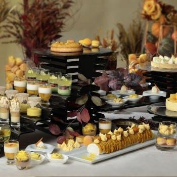 横浜ベイシェラトンホテル&タワーズ ナイトスイーツブッフェ「Sweets Parade」~Autumn × YELLOW~