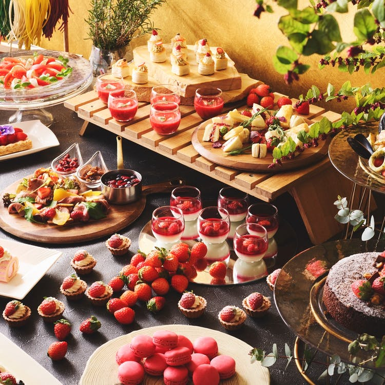 ストリングスホテル東京インターコンチネンタル「ヴィヴァーチェ いちごづくしのイタリアン・セミブッフェランチ」