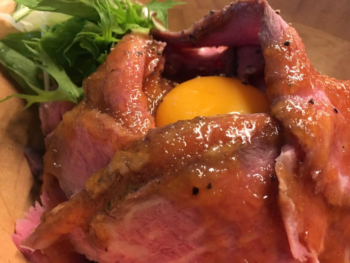 肉食BAR ガブリミート ローストビーフ丼 ご飯大盛り