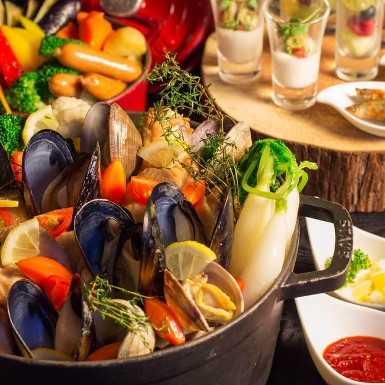 ウェスティンホテル大阪「HOT POT LOVERS パスタ付!前菜、サラダ、デザート食べ放題」