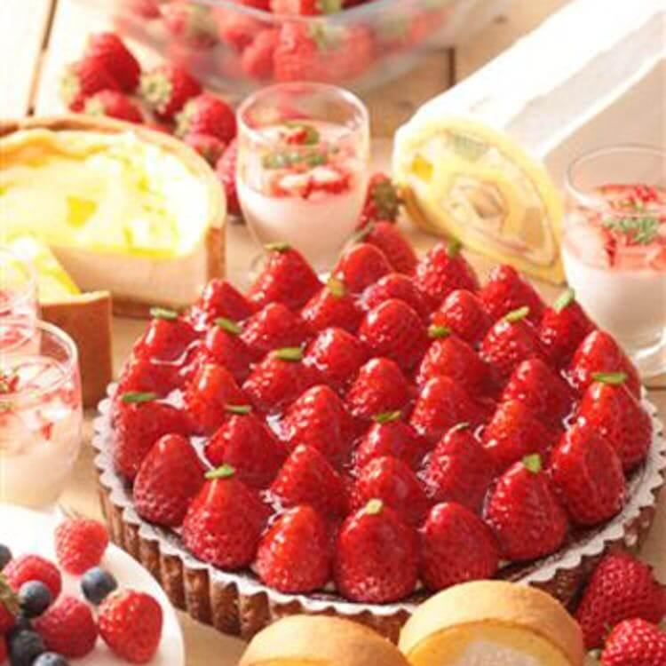 浦和ロイヤルパインズホテル「苺とチョコのデザートブッフェ」