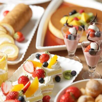 浦和ロイヤルパインズホテル「苺とさわやかフルーツのデザートブッフェ」
