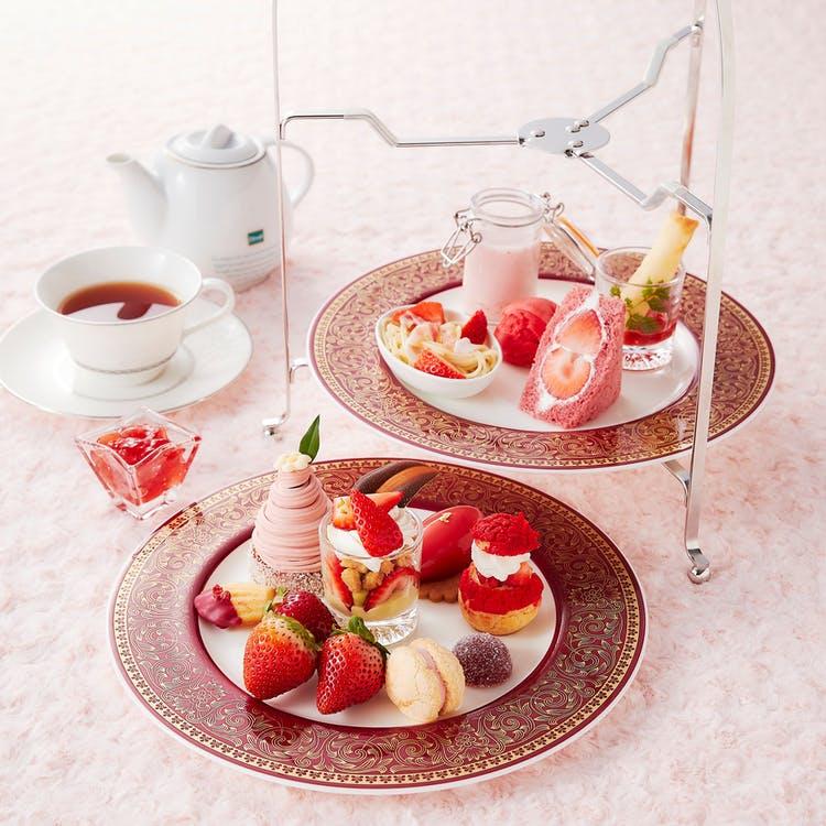 ホテル日航大阪「苺のアフタヌーンティーセット