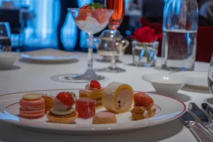 【レポ】2021 セントレジス ホテル大阪 いちごビュッフェ「苺のデザートコース&テーブルオーダーブッフェ」訪問レポート